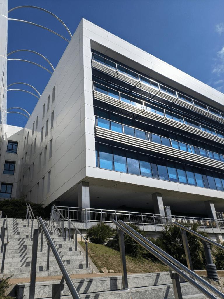 Fluidra alquila un edificio a Catalana Occidente para crear una nueva sede