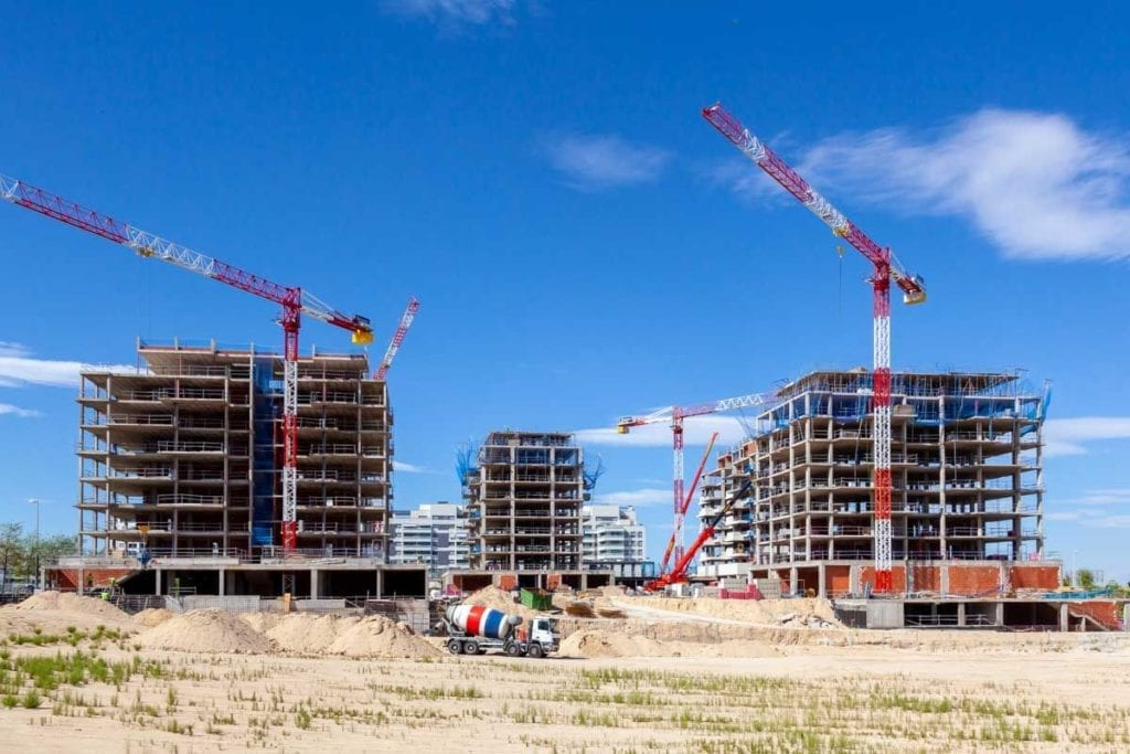 Obras con gruas de las viviendas de Gestilar Isla de Pedrosa 1024x683 1