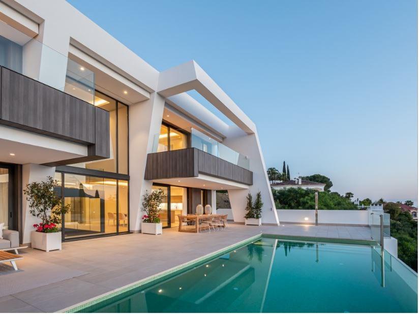 villa light blue