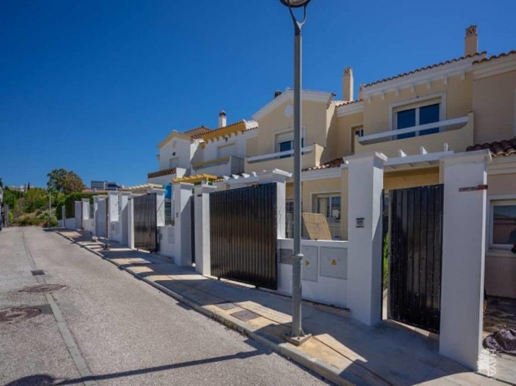 vivienda adosada en manilva malaga fuente Haya Real Estate