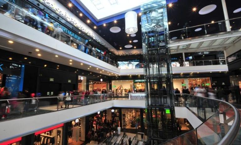 Carrefour Property reforma para Realia y Carmila el centro comercial As Cancelas
