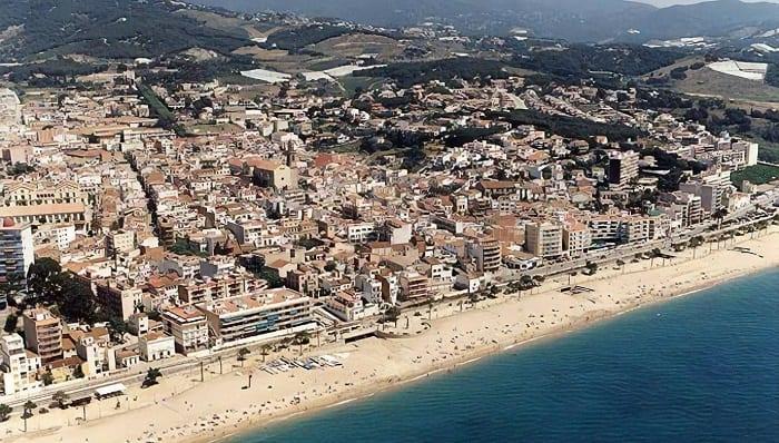 Sareb cede una decena de viviendas al Ayuntamiento de Canet de Mar