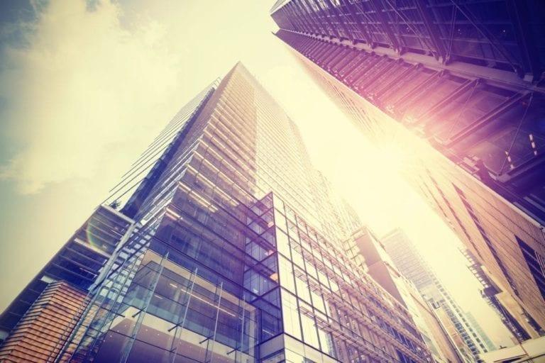 El sector inmobiliario lidera el mercado de transacciones en el primer semestre