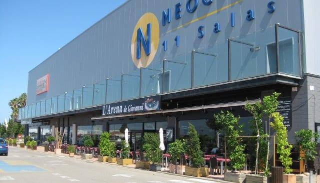 Los nuevos dueños de Costa Azahar lanzan un plan para reabrir el centro comercial