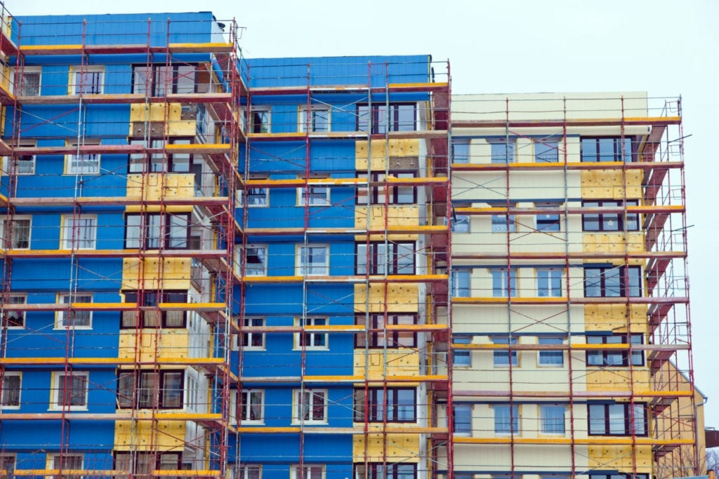 Renovación rehabilitación energetica edificios viviendas fuente shutterstock 1024x683 1