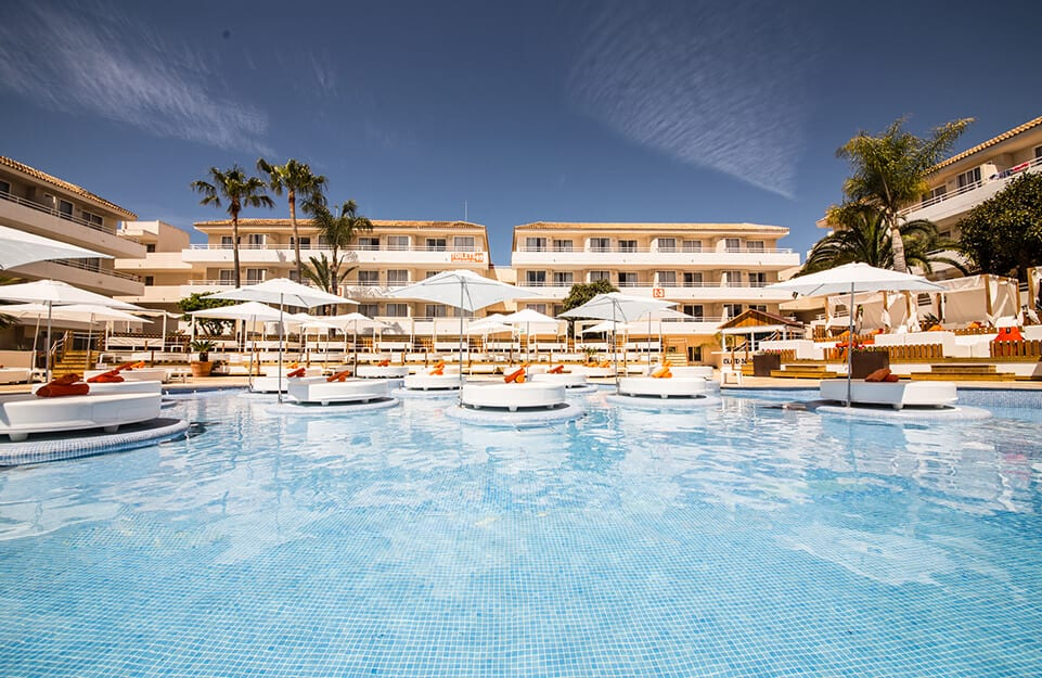hotel island beach club del grupo cursach