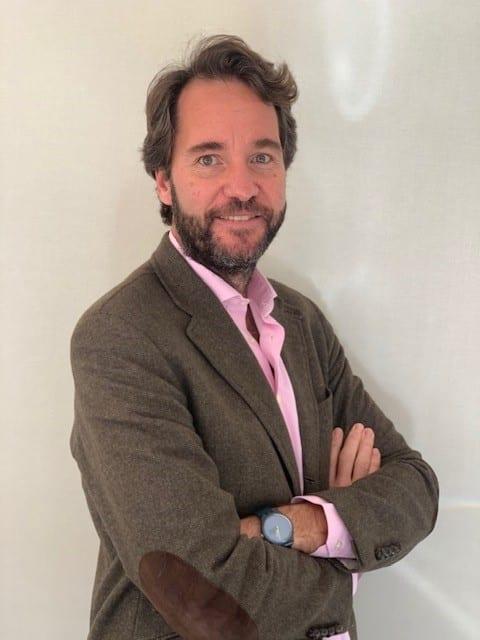 Arcano nombra a Alejandro Adán director de Real Estate