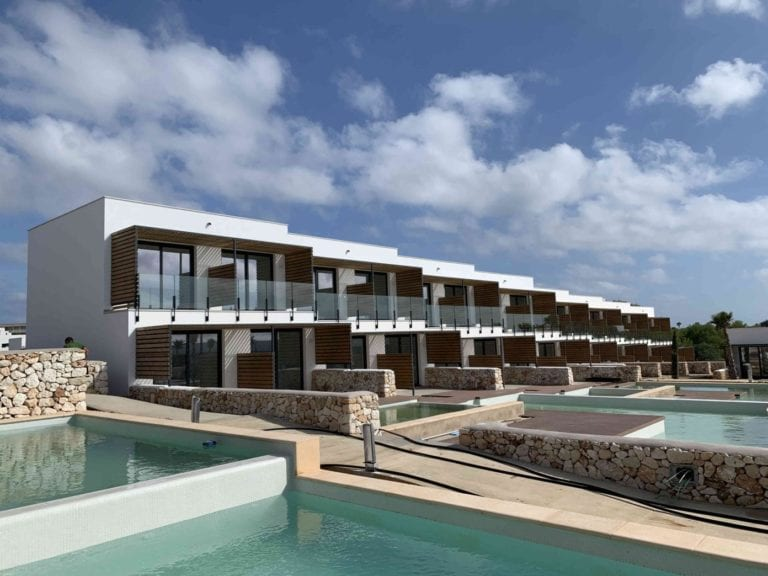 Mazabi compra un hotel y dos activos residenciales en Baleares