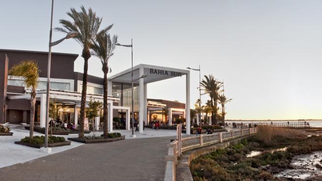 Bahía Sur aumenta su oferta comercial con la apertura de Primark prevista para finales de año
