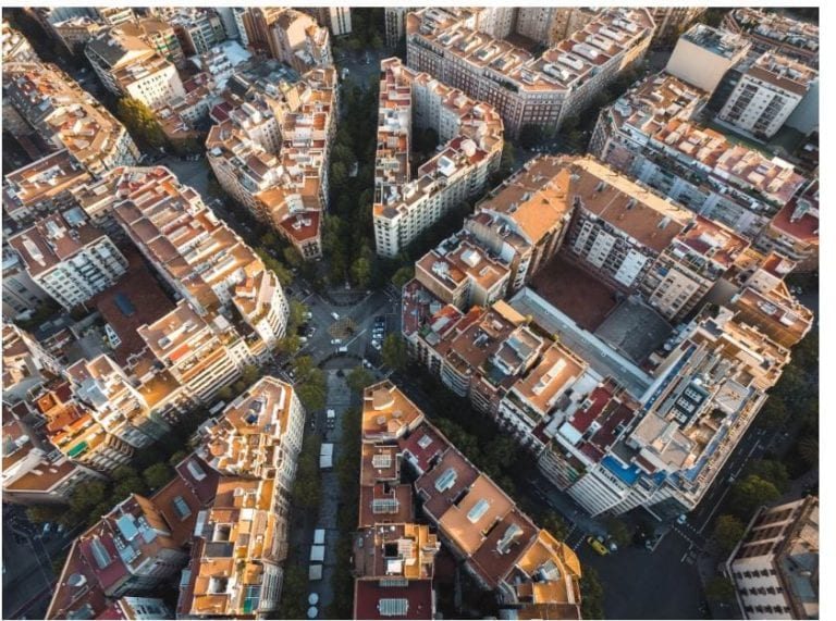 AX Partners Invests €2 Million in Residential Building in Barcelona