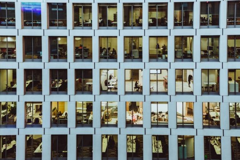 La demanda de oficinas puede caer hasta un 27% en España
