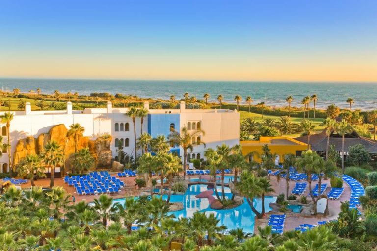 Pontegadea compra el hotel Senator Playaballena por 25 millones