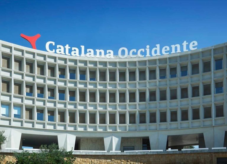 Catalana Occidente cierra su primera inversión logística con la compra de 6 naves