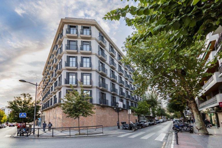 Creating compra un edificio residencial en Granada por 9 millones de euros
