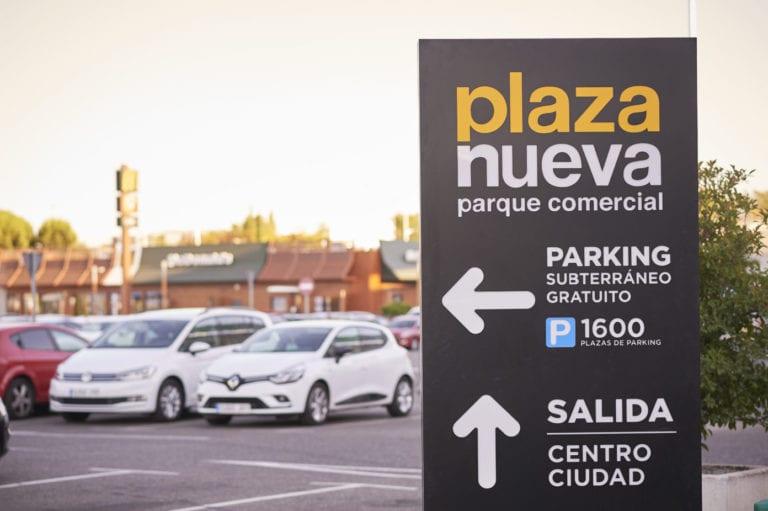 Savills gestionará dos parques comerciales de Nuveen y Realia