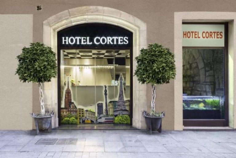 El grupo israelí Nistba compra el Hotel Cortés de Barcelona por nueve millones