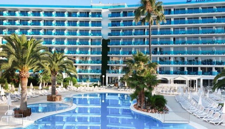 Navis ultima la compra de cuatro hoteles en Baleares y Canarias