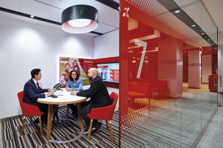 Santander comercializará las oficinas que cierra a través de una sociedad