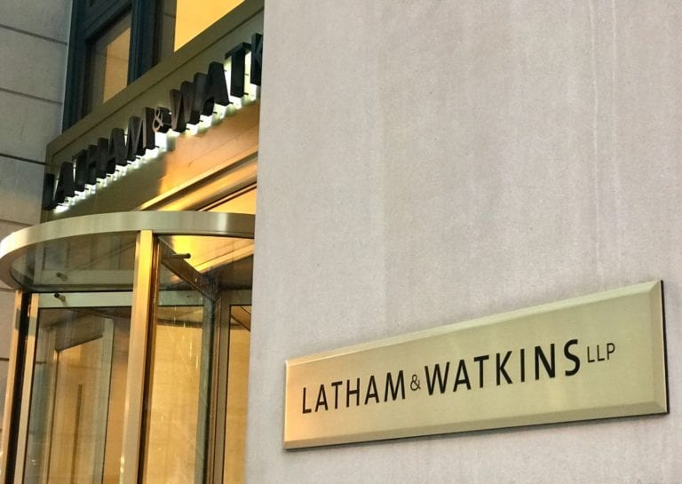 Quiénes son los despachos de abogados líderes en operaciones inmobiliarias en 2021