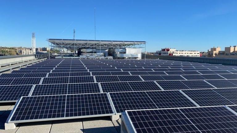 Merlin instala paneles fotovoltaicos en sus inmuebles para ser el mayor productor de autoconsumo