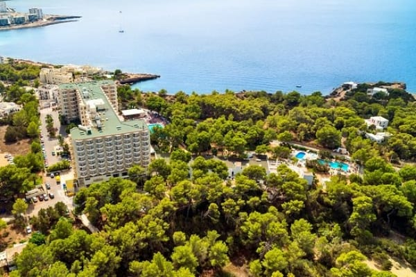 San José ampliará y reformará el Hotel Cala Graçió en Ibiza