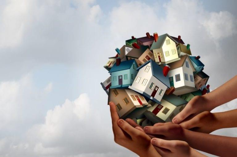 Sareb cede 60 viviendas para fines sociales al Ayuntamiento de Lérida