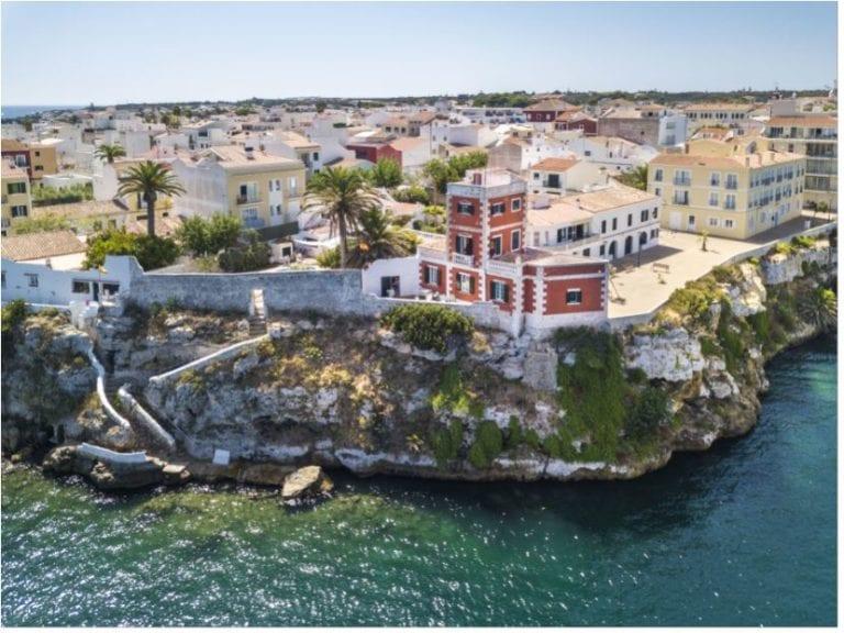 Los franceses acaparan el 50% de las compras de viviendas en Menorca, según Engel & Völkers