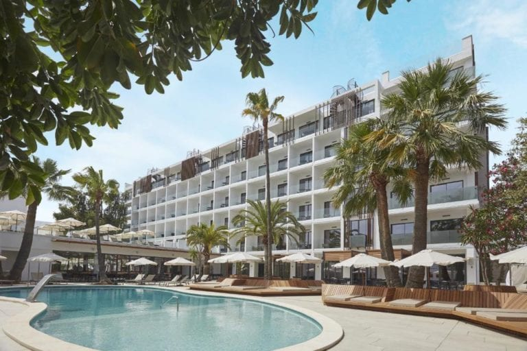 Ferrer vende el hotel Caprice Alcudia Port en Mallorca