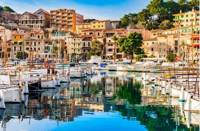Sareb vende 19 viviendas al Gobierno de Baleares por 2,2 millones