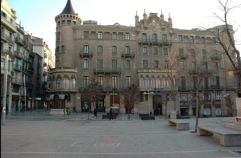 Sareb cede 40 viviendas para fines sociales al Ayuntamiento de Manresa