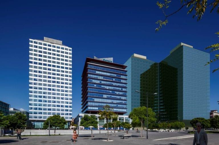 El fondo alemán KGAL compra la Torre Esteve de Barcelona por 100 millones