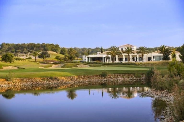 Gmp vende suelo y viviendas por 23,5 millones en su resort de Alicante