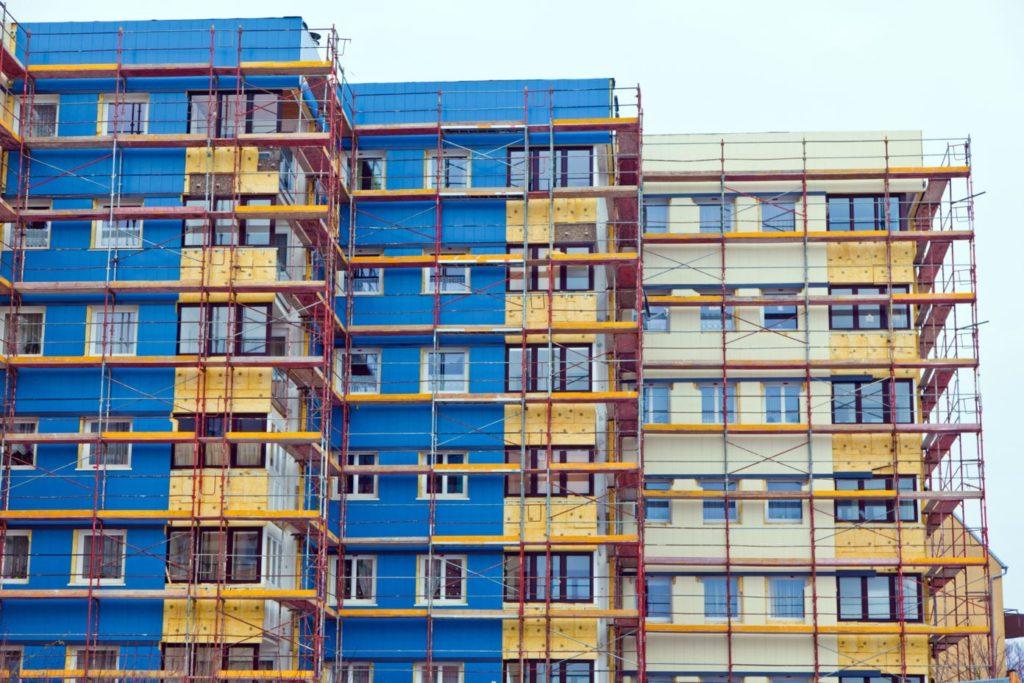 Renovacion rehabilitacion energetica edificios viviendas fuente shutterstock