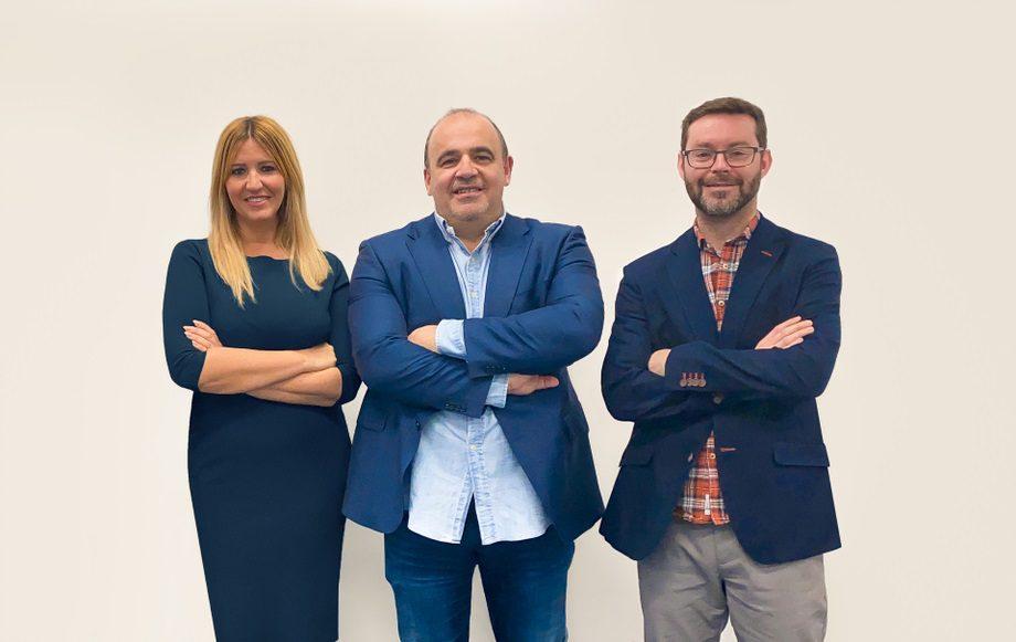 Silvia Escámez, CEO y cofundadora de Finteca; Carlos Blanco, fundador de Finteca, y Marc Torres, CPO y cofundador de Finteca