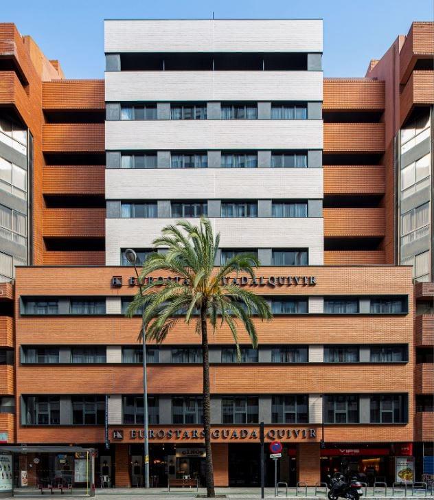 Insur entrega a Grupo Hotusa un hotel de cuatro estrellas en Sevilla