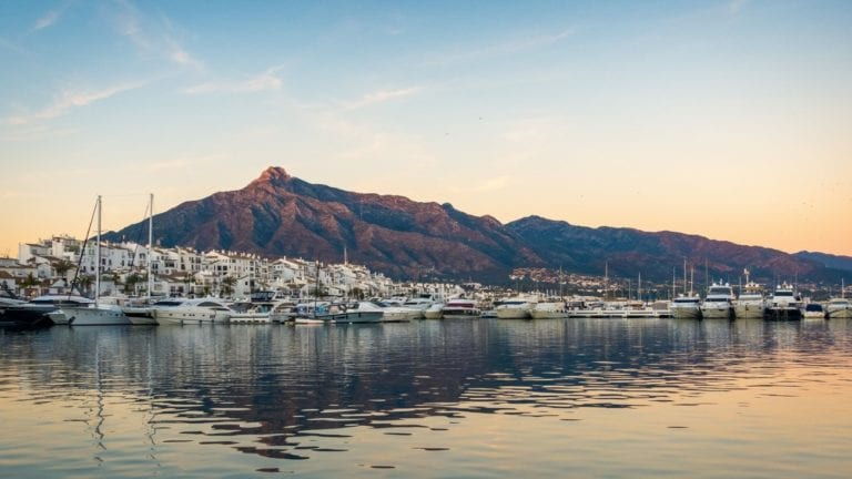 La firma Karl Lagerfeld diseñará una promoción de villas de lujo en Marbella