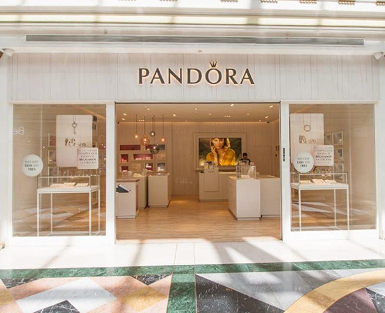 La firma Pandora abre su 'flagship store' en Barcelona