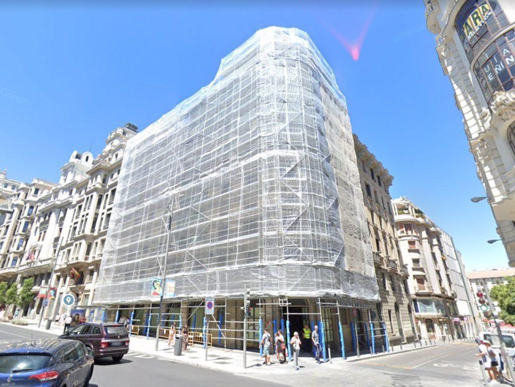 Banco Santander préstamo IBA Capital CBRE GI