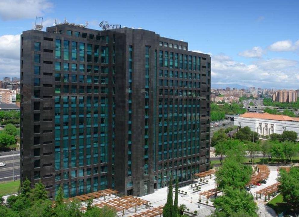 hermanos revilla realia edificio oficinas albasanz madrid